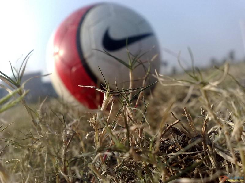 足球比赛的中英文常用术语_专业词汇_专业英