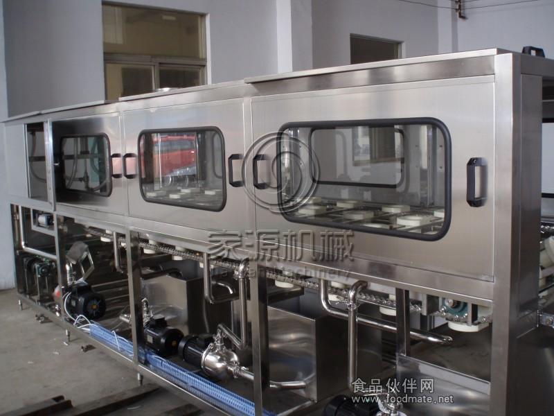 全自动桶装水生产线_矿泉水灌装机